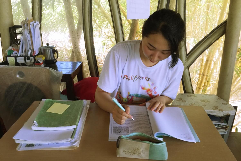 日本での英語学習をする生徒