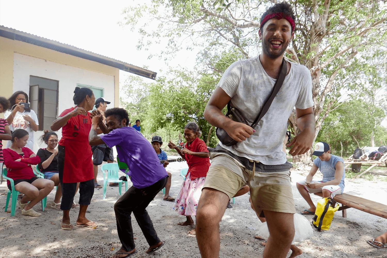 先住民族のダンス